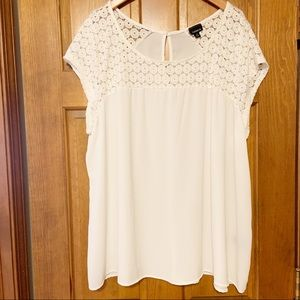 Torrid White Crochet Blouse Size 3X Top